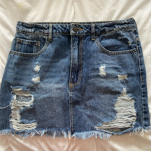 Ripped denim skirt from forever21. US/CA size 29.